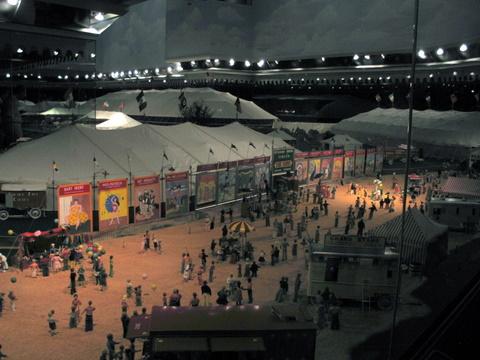 mini-circus-1-11-2008-4-18-36.JPG