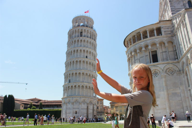 Toren holding up the leaning tower of pisa.